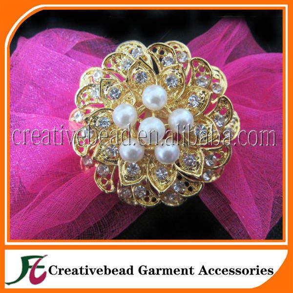 Novo estilo de cristal Rhinestone broche com pérola para o casamento