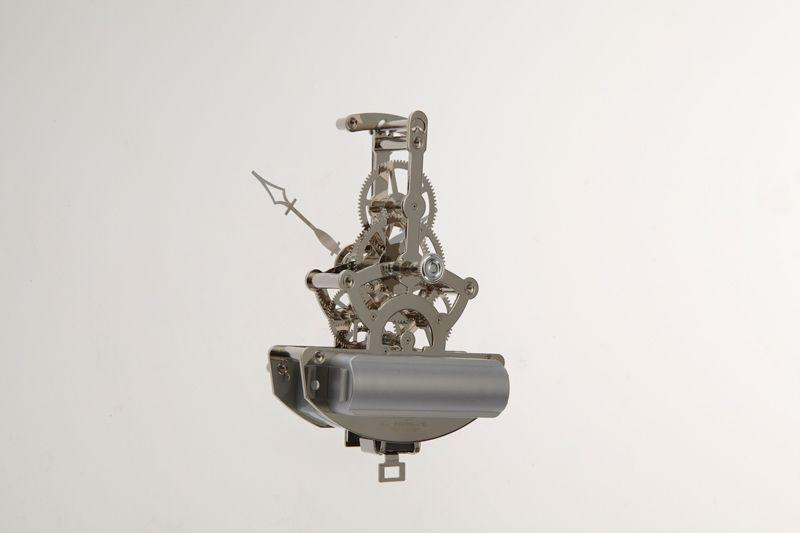 Alibaba alta calidad de cuarzo de Metal esqueleto movimiento del reloj con péndulo