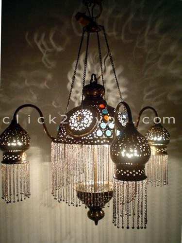 4つの陰モロッコの宝石で飾られた吊り下げ式ライトまたはランプのシャンデリア