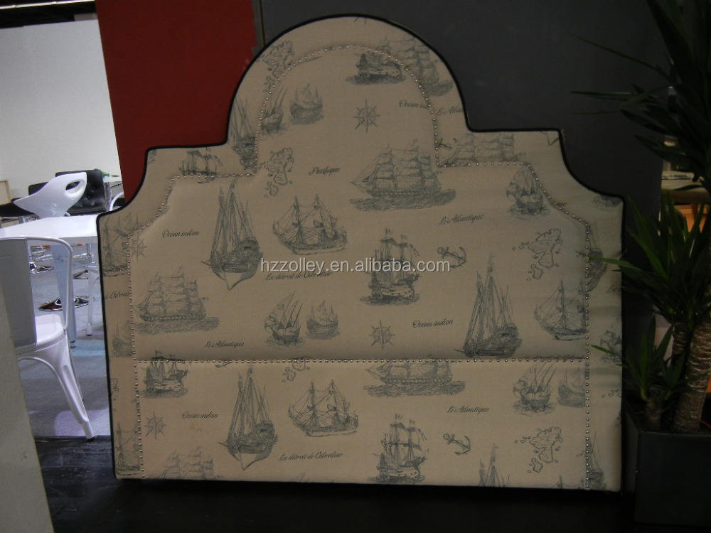 Alemanha padrão macio cama com cabeceira e de tamanho completo