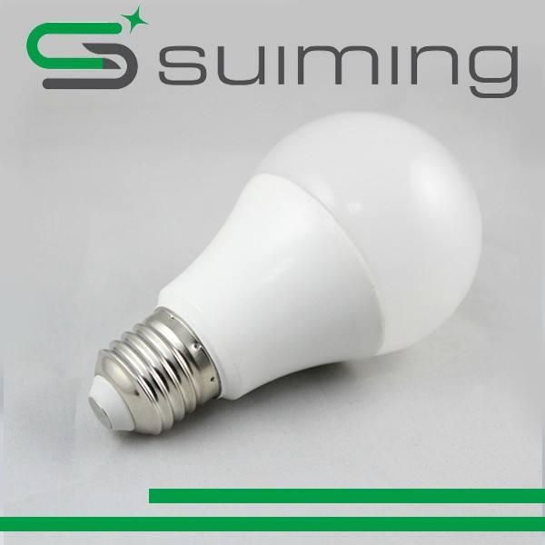 3 W 5 W 7 W 9 W 12 W 15 W 18 W LED Bombilla con alto lumen Y cri, puede apoyar SKD