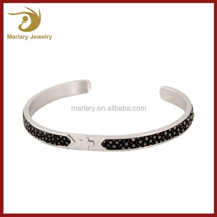 Grossiste en acier inoxydable Cross Stingray peau <span class=keywords><strong>Bracelets</strong></span> en cuir bracelet <span class=keywords><strong>Bracelets</strong></span>