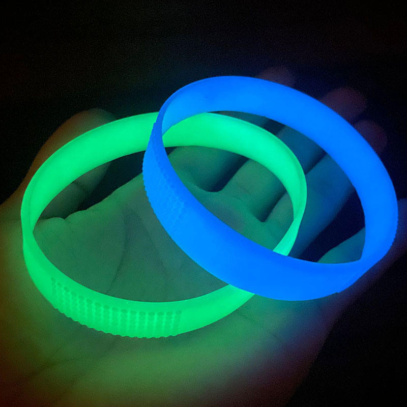 hot selling eco-friendly advertising gifts no minimum cheap custom wristband silicone bracelet