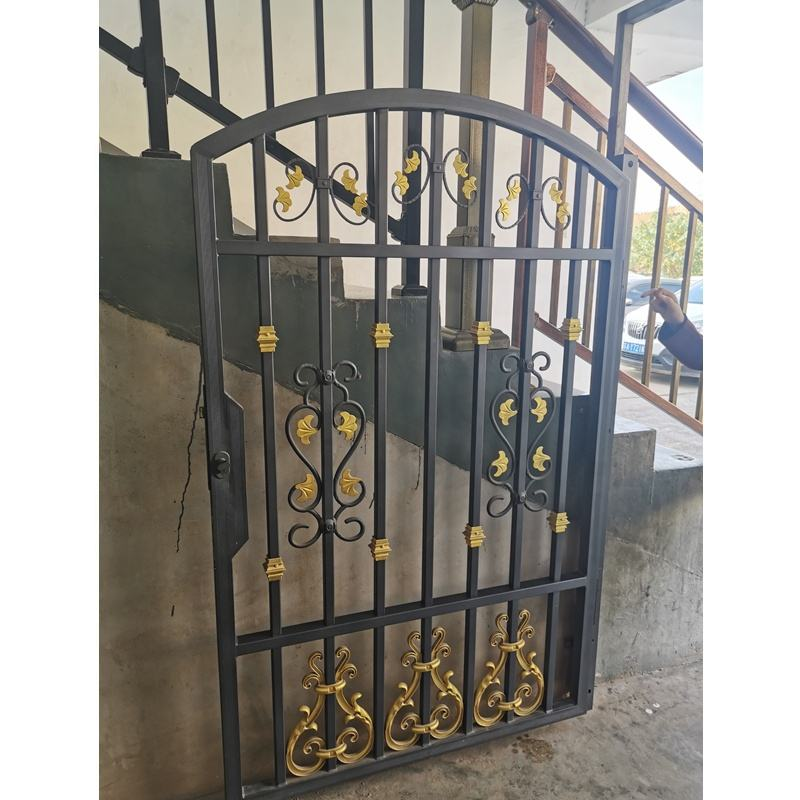 Factory Directly Popular and latest main design for sliding gate