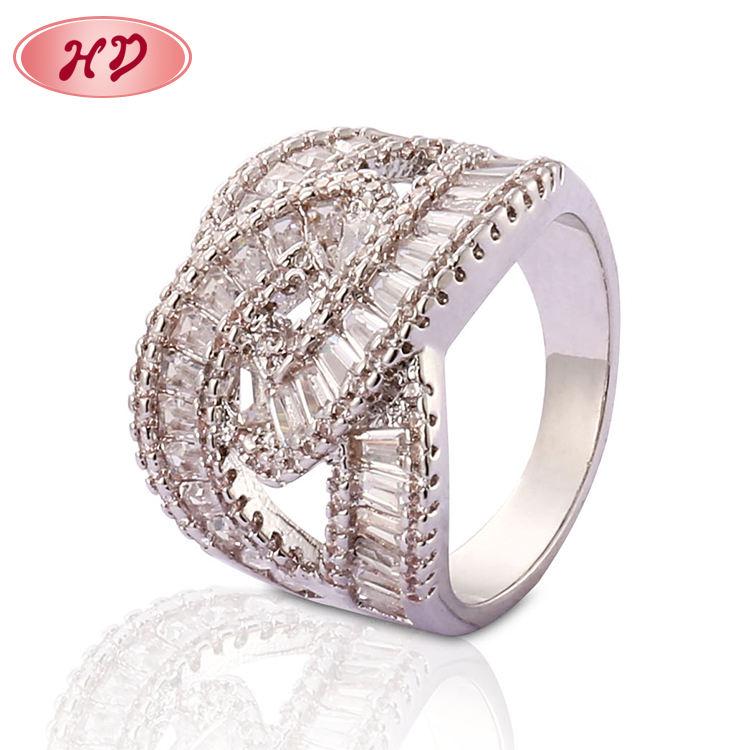 Regalo de San Valentín artículos de mejor venta de oro blanco para mujer de moda de anillo de diamante