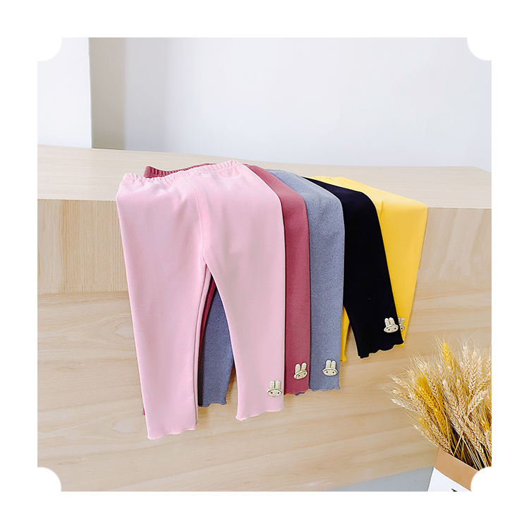 Модные осенние детские хлопковые штаны с мультяшным украшением, однотонные детские леггинсы для девочек