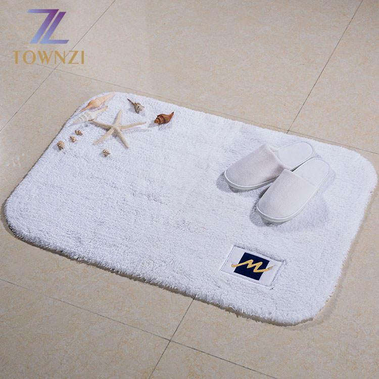 Townzi 맞춤형 최신 디자인 100% 코튼 롱 내구성 물 흡수 카펫 호텔 목욕 화이트 매트