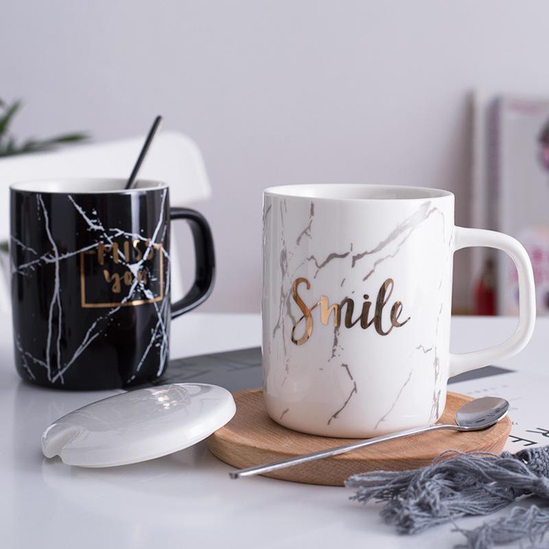 Son tasarım nefis soylu altın çıkartması seramik porselen kahve kupa kaşıkla