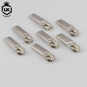 Crown Silicone Zipper Pulls