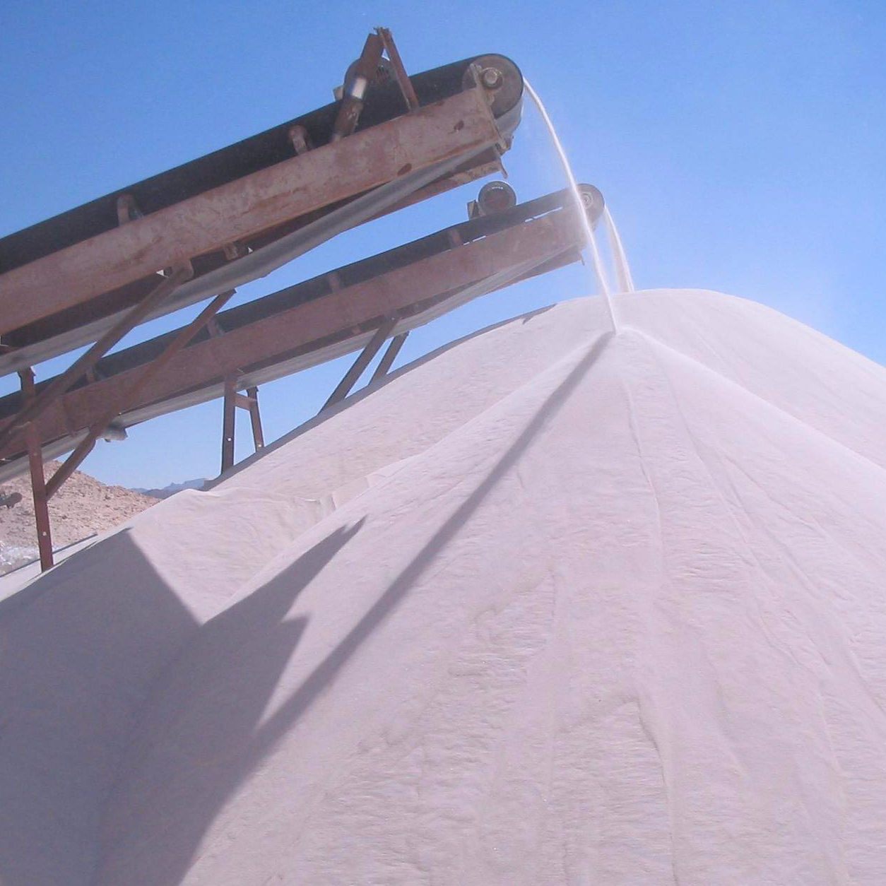 Silica Sand Egyptian Mine owner 99.6% Purity Silica Sand for glass