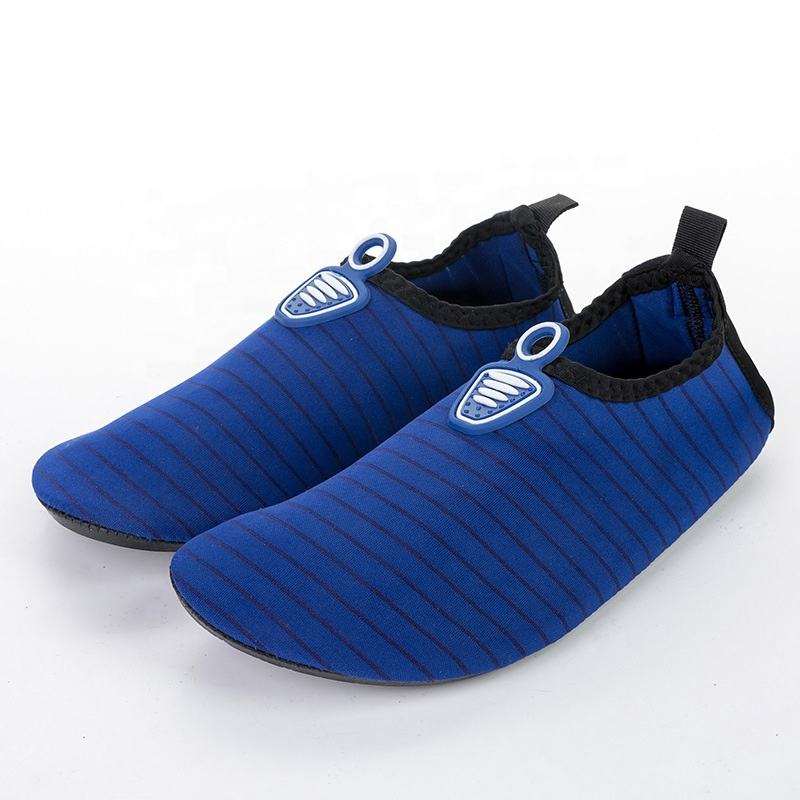 UOO Fashion Design Embossed Quick Dry Sports Beach Water Shoes